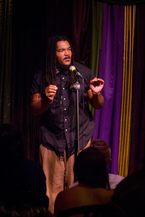 5 Slam Poetry Tips to Help You Command and Audience, spoken word, writing slam poetry